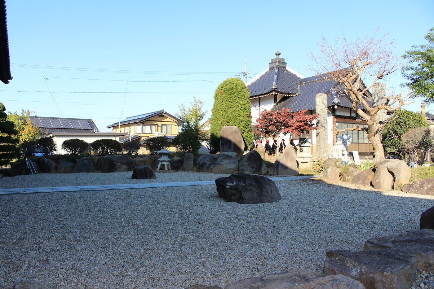 長野市篠ノ井の観音寺墓地