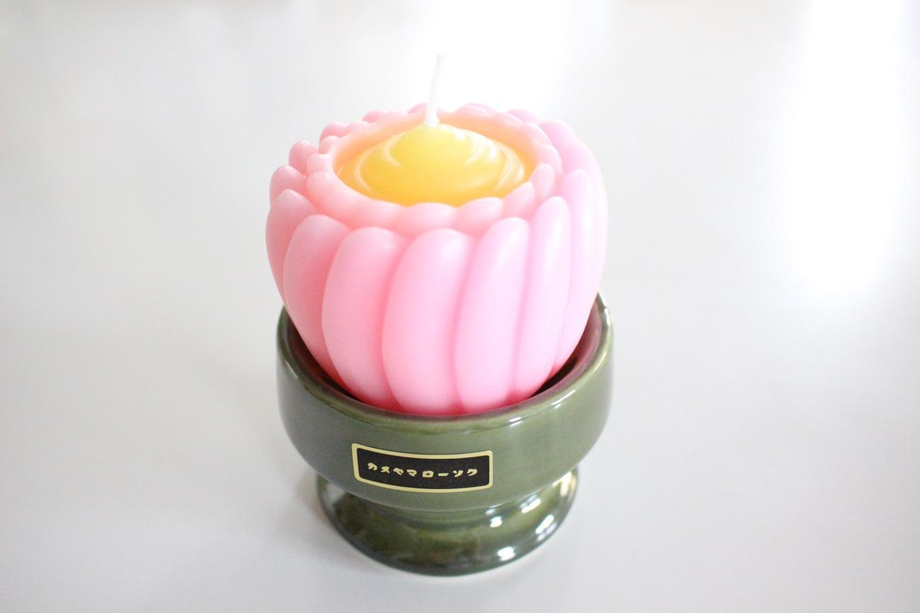 蓮の美しさが際立つブレンマ デザイン蝋燭