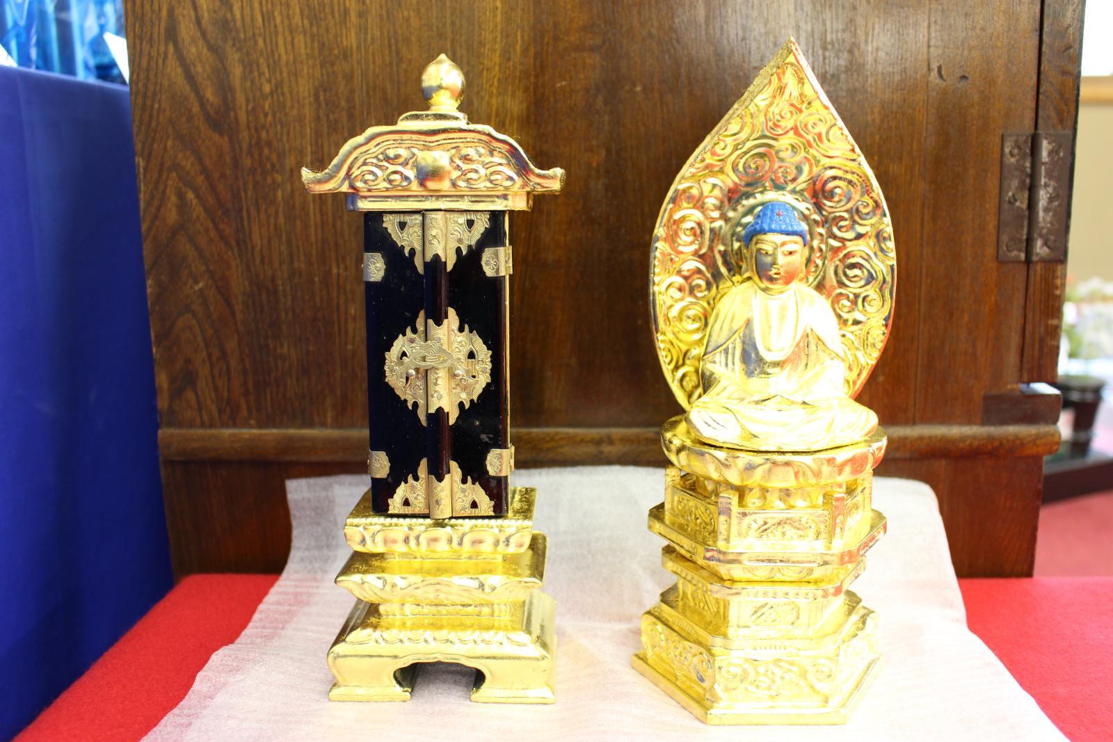 本位牌や仏像などの仏具も仏壇クリーニングできれいに