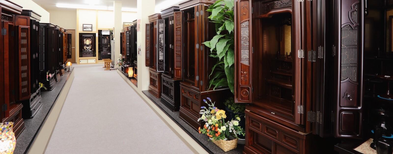 長野県のお仏壇展示場。大型仏壇が豊富