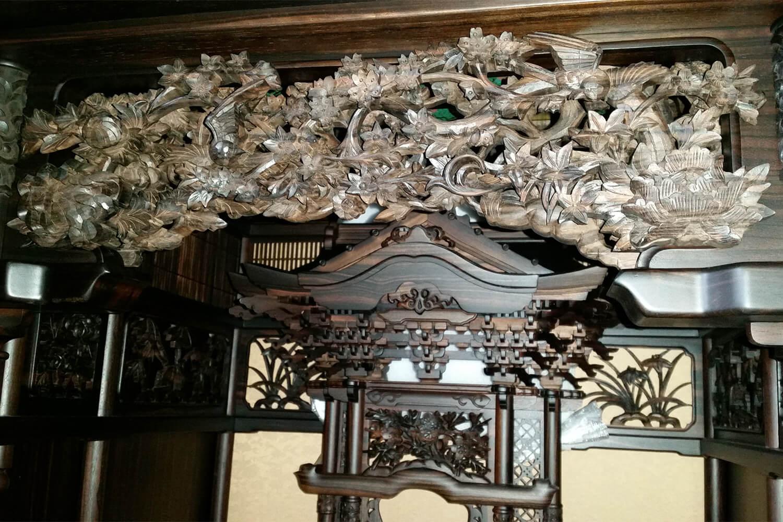 彫刻が際立つ大型仏壇